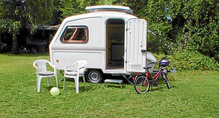 kompakte wohnwagen im vergleich floh zirkus caravaning. Black Bedroom Furniture Sets. Home Design Ideas