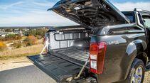 Abdeckung und Ladeflächenschutz kosten zusammen 2896 Euro extra beim Isuzu D-Max Double Cab