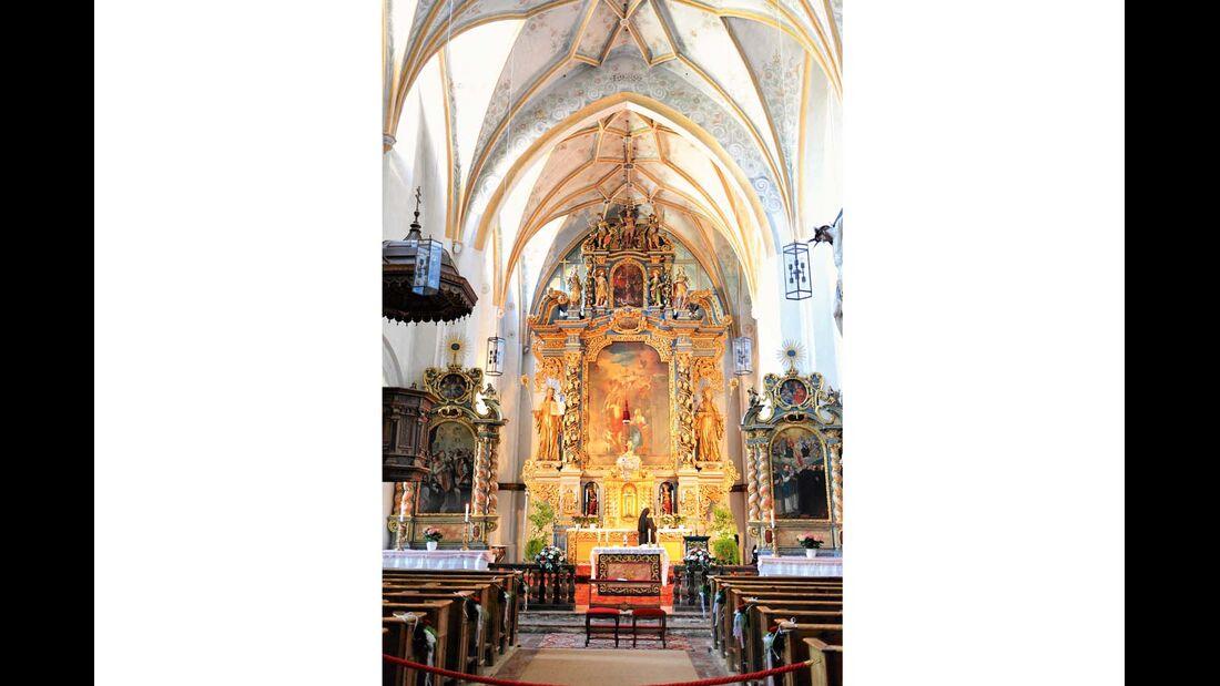 Abteikirche Mariä Opferung mit barockem Hochaltar