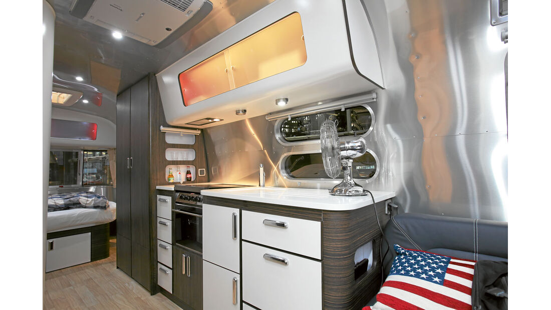Airstream_684_Küche