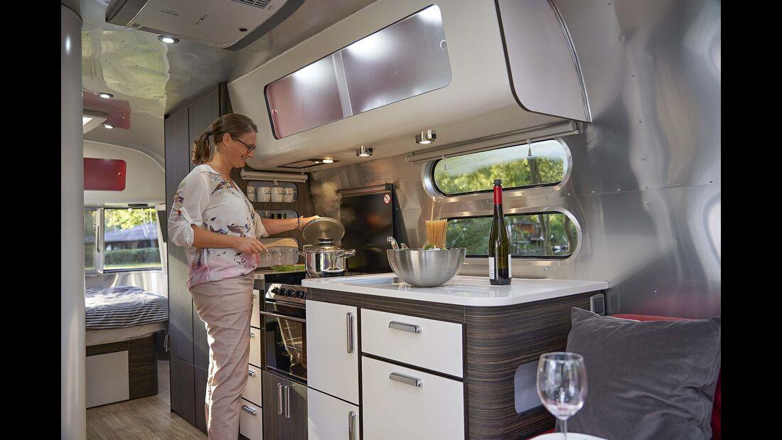 Airstream 685