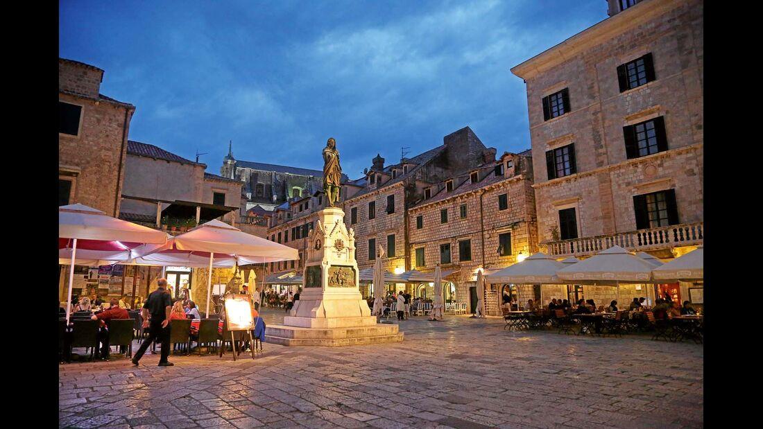 Altstadt von Dubrovnik am Abend