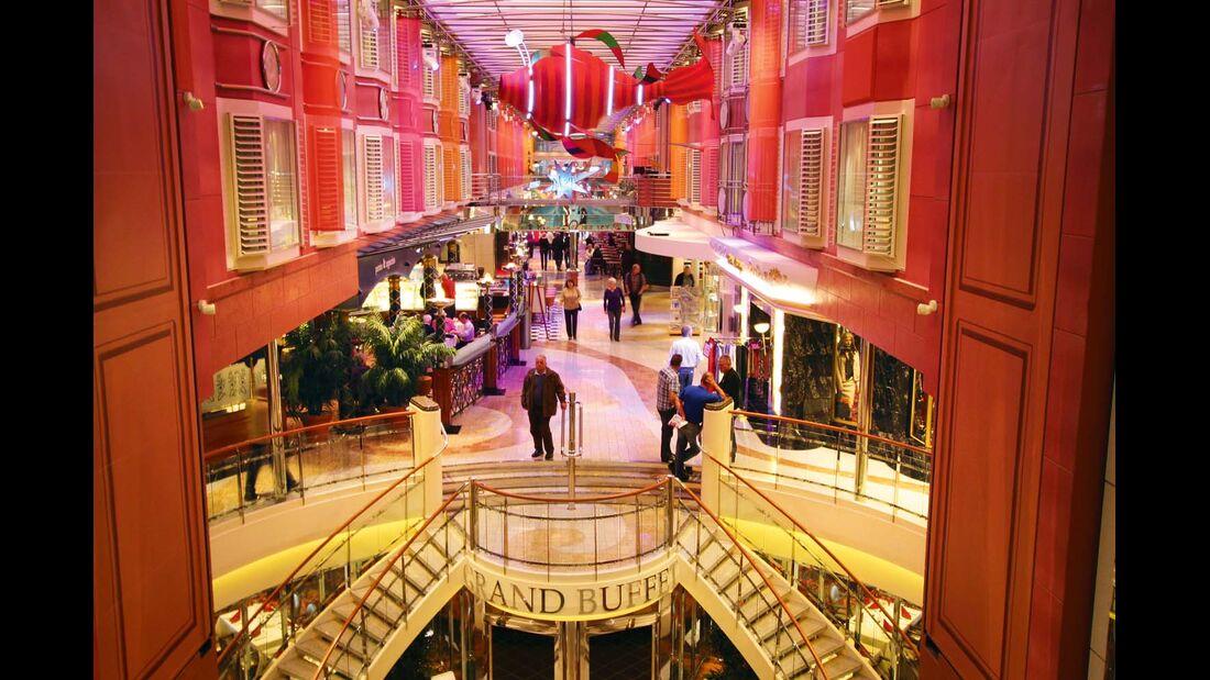 An Bord der Color Fantasy und Color Magic gibt es ein eigenes Einkaufszentrum.