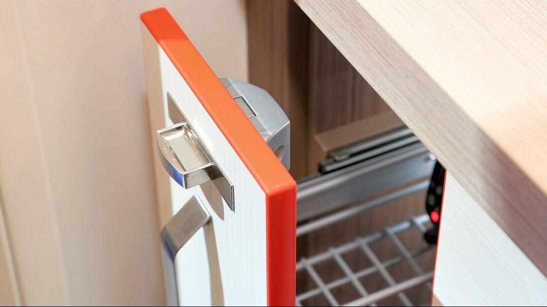 Auch für die Schubladenverriegelung werden Pushlocks eingesetzt.