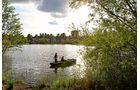 Auf der Schwentine kann man angeln.