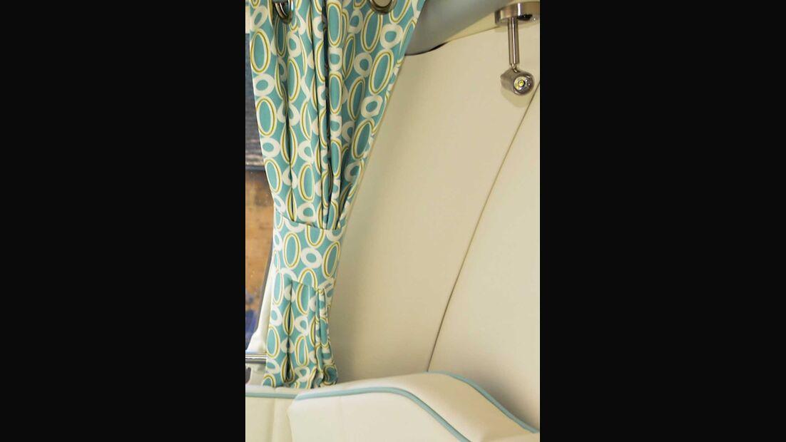 Barefoot Wohnwagen Vorhang und Sitzgruppe