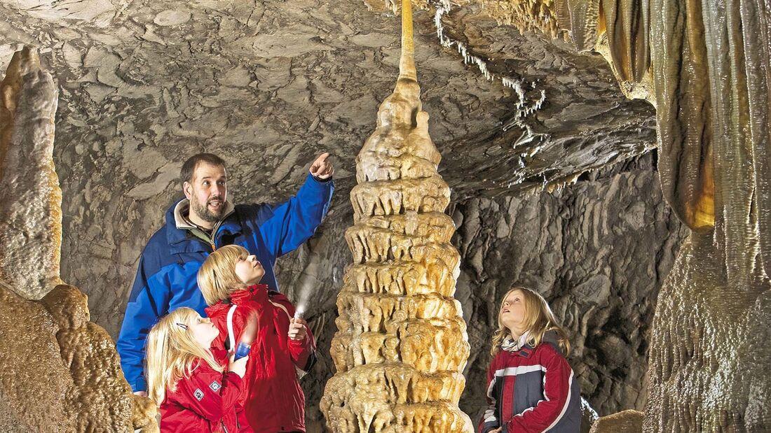 Begehbare Höhlen Dechenhöhle