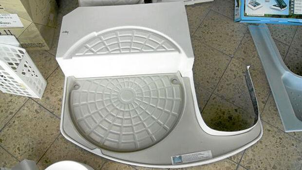 Bei Wagner Kunststofftechnik liegen Negative von vielen Duschwannen aus Caravans vor.