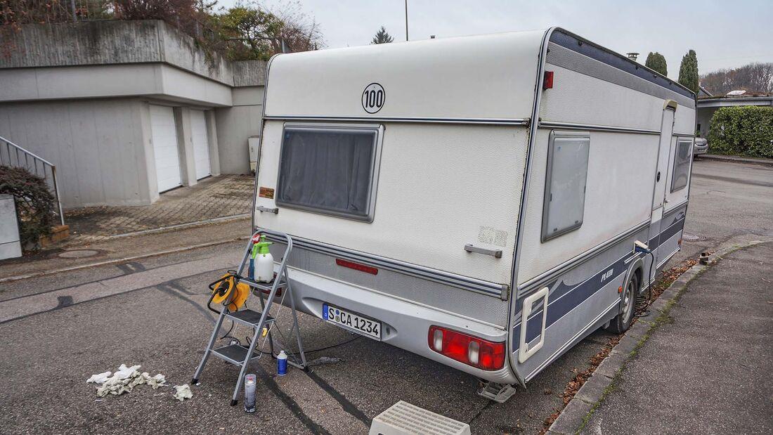 Beklebung am Caravan entfernen