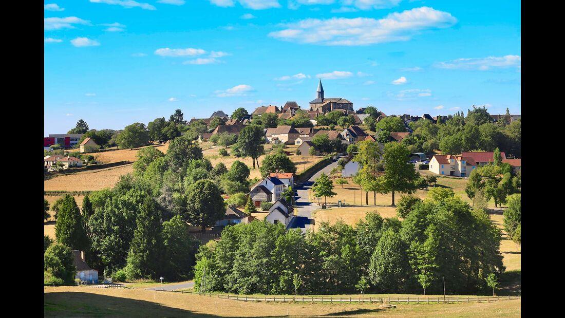 Beschauliche 1200-Seelen-Gemeinde im bäuerlich geprägten Limousin.
