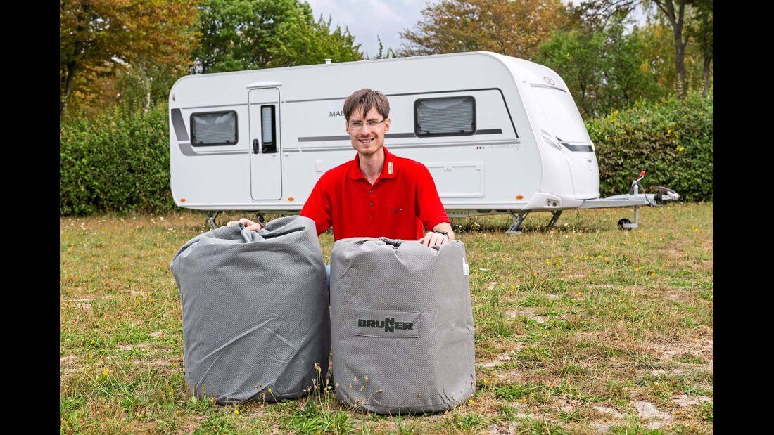 Brunner und Hindermann liefern ihre Schutzhüllen in praktischen Transportsäcken.