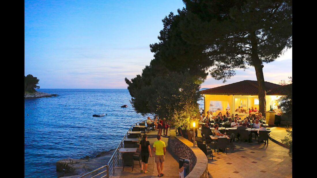 Bucht am Abend Camping Cikat Kroatien Insel Losinj