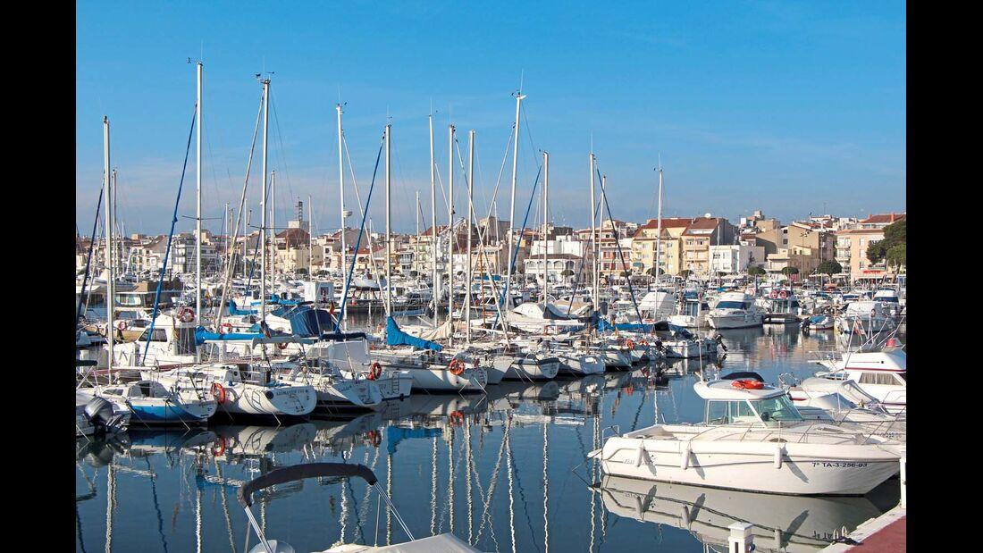 CAMBRILS Der Fischerei- und Yachthafen prägt das Bild der 33 000-Einwohner-Stadt