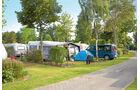 Camping am Emsdeich: gepflegte Anlage an einem Naturbadesee.