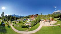 Campingplatz Tiroler Zugspitze Resort unterhalb des Wetterstein Massivs