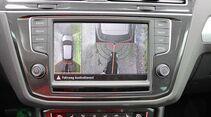 Caravaner begeistert der Tiguan mit Top-Kamera und Rangier-Assistent.