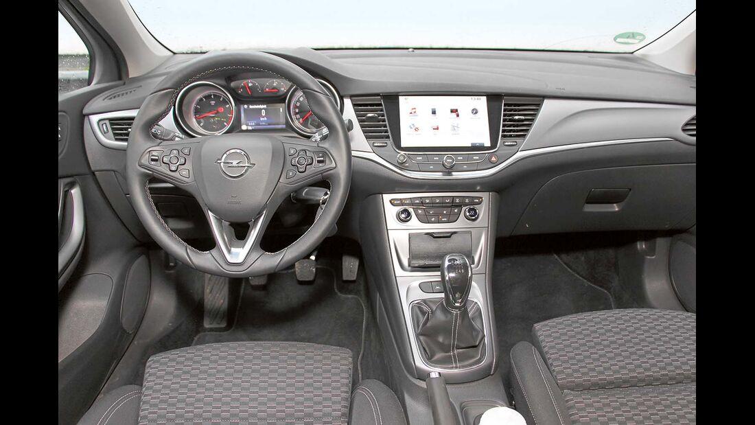 Cockpit beim Opel Astra