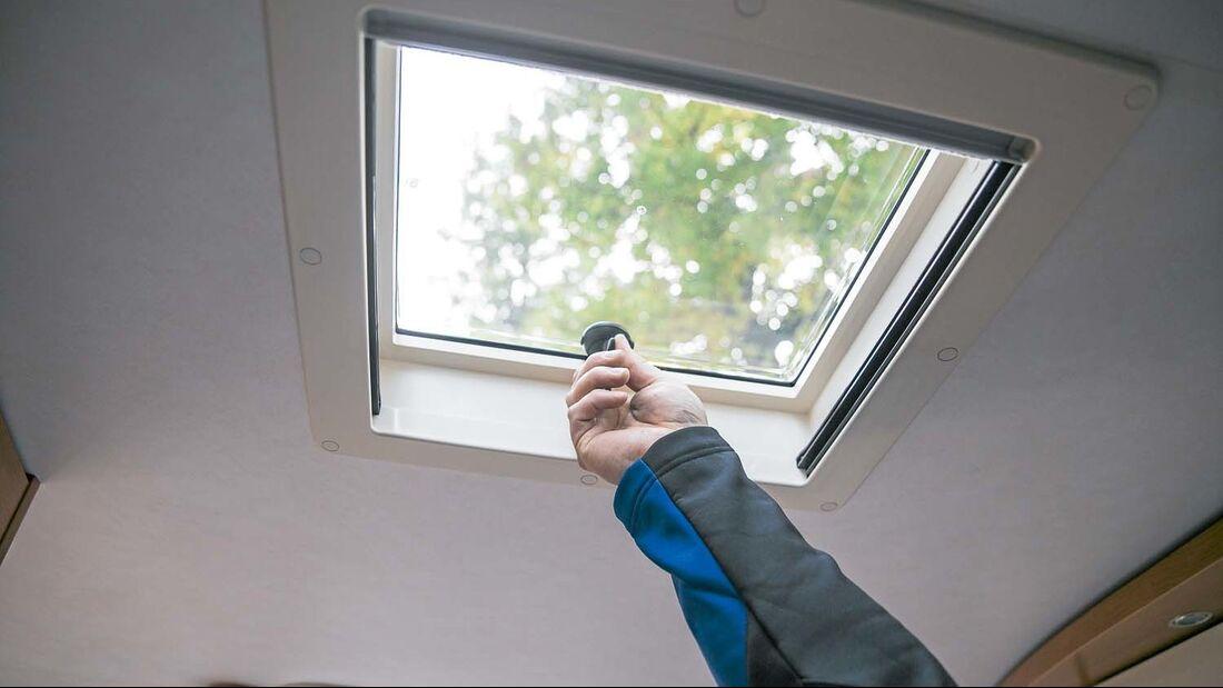 Dachfenster bringen Licht und Luft in den Caravan