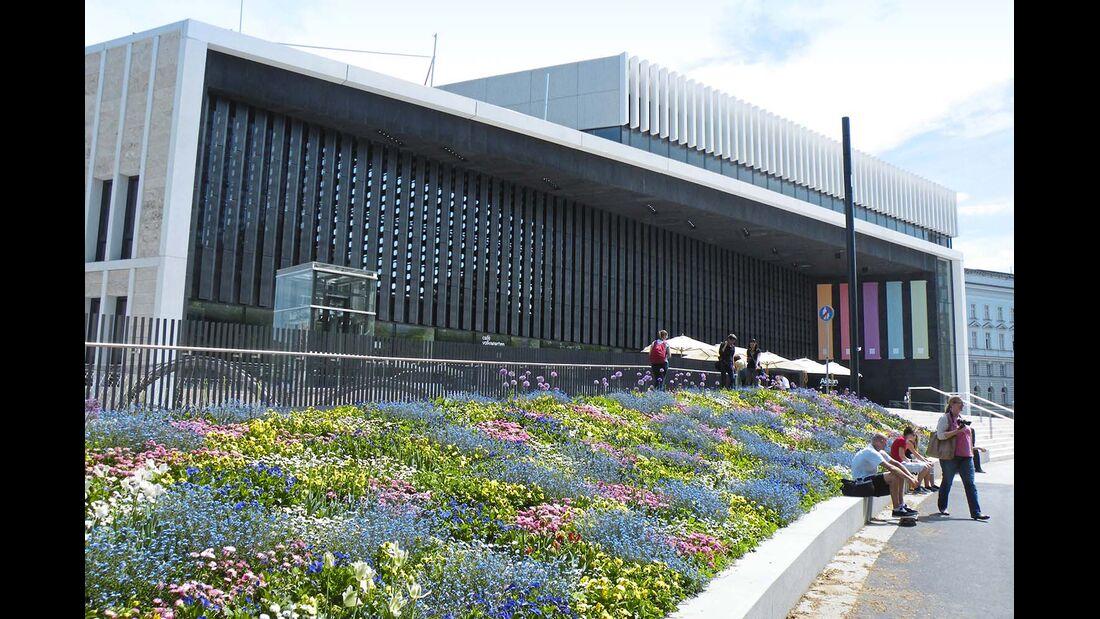 Das Lentos-Kunstmuseum an der Donau symbolisiert das moderne Linz.
