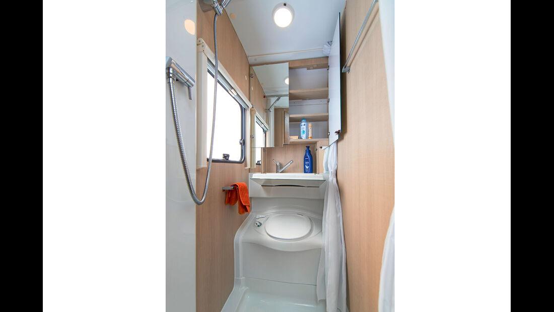 Das klappbare Waschbecken im Ergo-Bad.