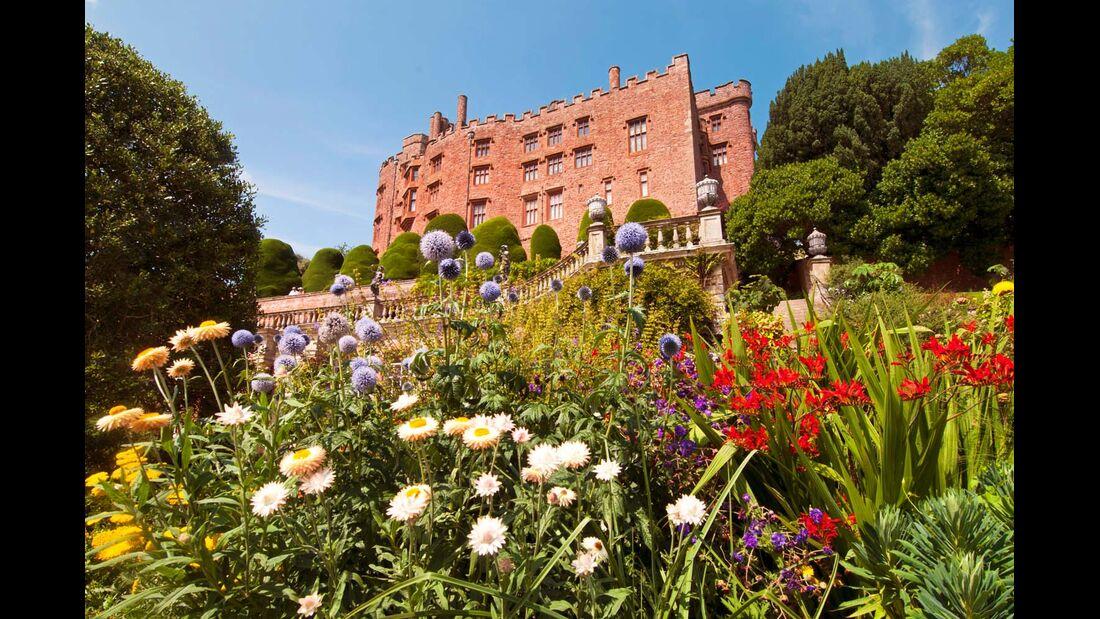 Das mittelalterliche Powis Castle mit seinen barocken Gärten.