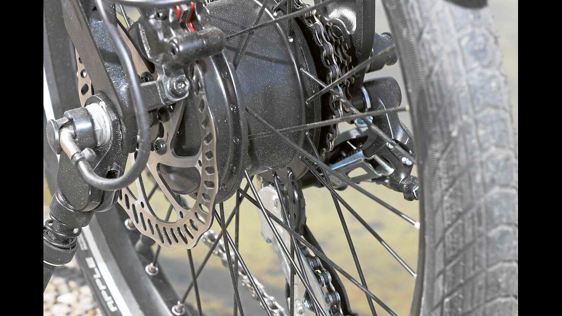 Der Hinterradmotor befindet sich in der Nabe und schiebt das PS1 kraftvoll an.
