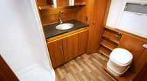 Der größte aller Puccini leistet sich ein raumbreites Heckbad samt Duschkabine und Keramik-Kassettentoilette.