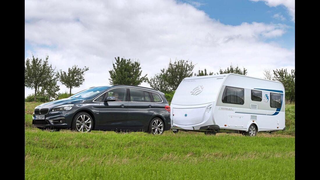 Der kompakte Caravan läuft dank ausgewogener Gewichtsverteilung sehr gutmütig nach.