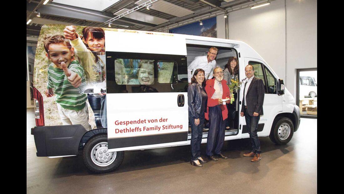 Dethleffs Family Stiftung Pater Berno Übergabe Transporter