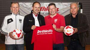 Dethleffs Geschäftsführer Dominik Suter und der FC Isny
