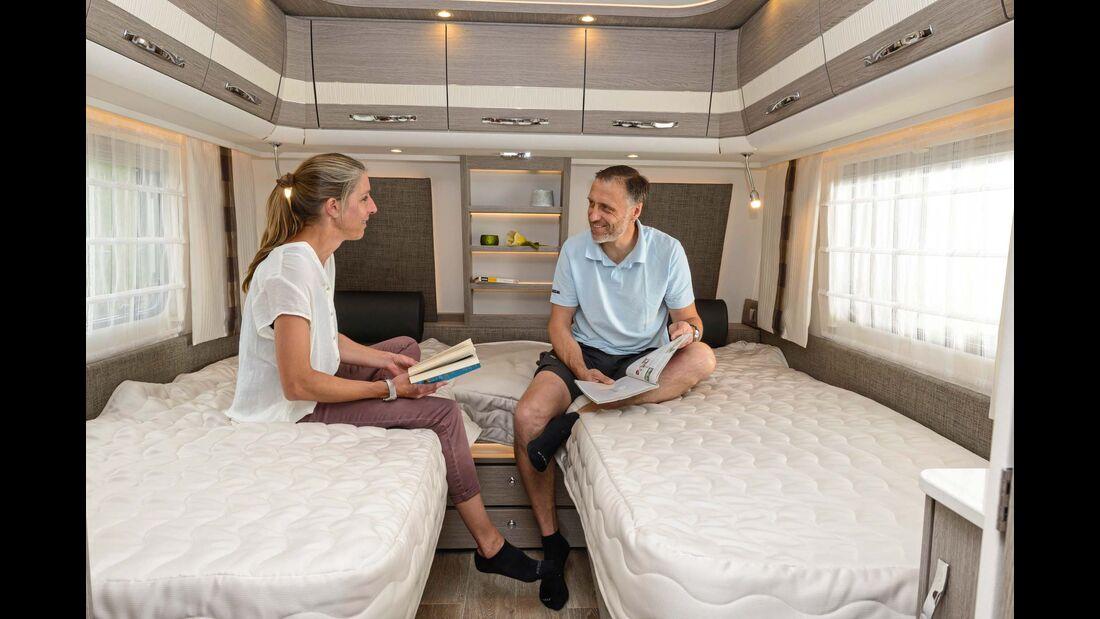 Die Betten sind knapp einen Meter breit, fast zwei Meter lang und haben sehr hochwertige Matratzen.