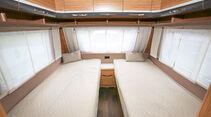 Die Einzelbetten im Bug überzeugen mit über zwei Meter Länge und 90 Zentimeter Breite, das sind komfortable Abmessungen.