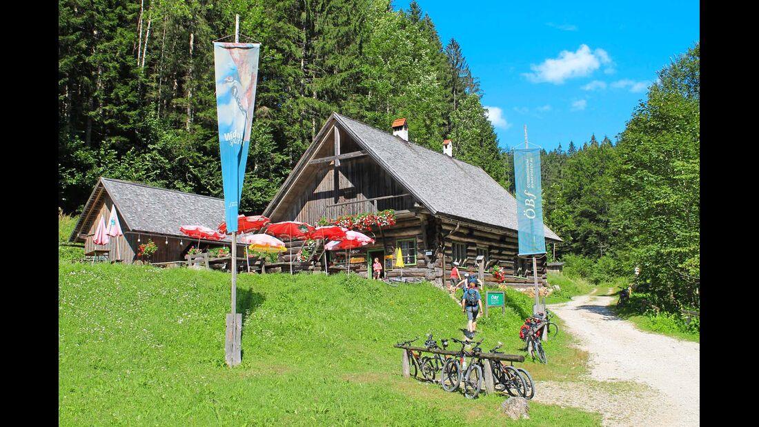 Die Große Klaushütte am Reichraminger Hintergebirgsradweg.
