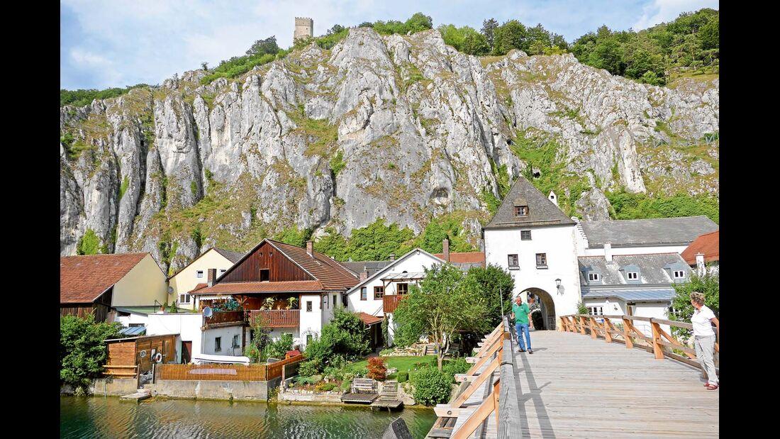 Die Umgebung von Essing taugt mit ihrer Flusslandschaft und dem Hügelland ideal für Aktivurlauber.