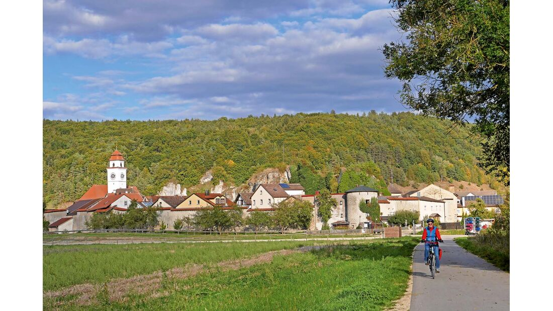 Die ältesten Spuren der Menschen im Dollnsteiner Gemeindegebiet reichen weit in die Steinzeit zurück.