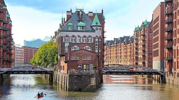 Die nahe Hansestadt Hamburg.
