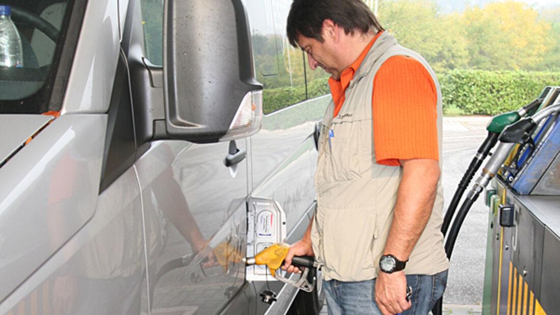 Diesel 2009 Kraftstoff preise deutsch Tankstelle markt Reisemobil Wohnmobil Caravan Wohnwagen zugwagen