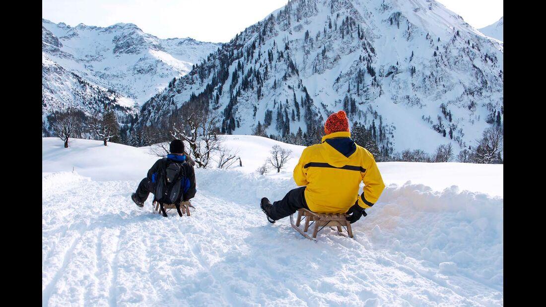 Drei Naturrodelbahnen an der Hornbahn Hindelang machen Lust auf eine aufregende Schlittenpartie.