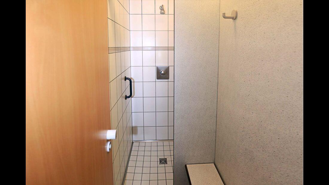 "Duschkabinenen auf dem Campingplatz ""Zur Perle"""