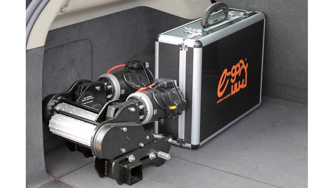 Elektronik, Akku und Motoren des Ego Plug and Play koennen in einen Koffer gepackt werden.