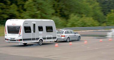Fahrversuch auf gesperrter Teststrecke
