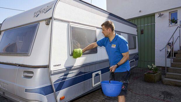 Fenster polieren im Caravan