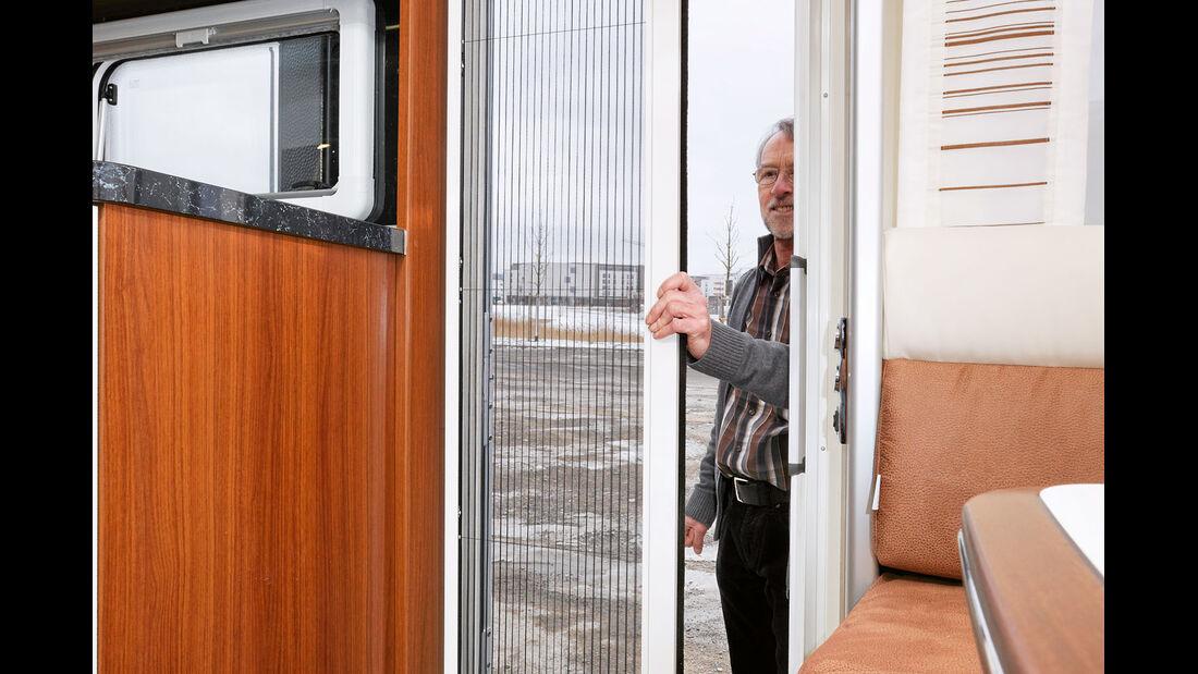 Fliegenschutztür im Vollformat gegen Aufpreis beim Tabbert Puccini