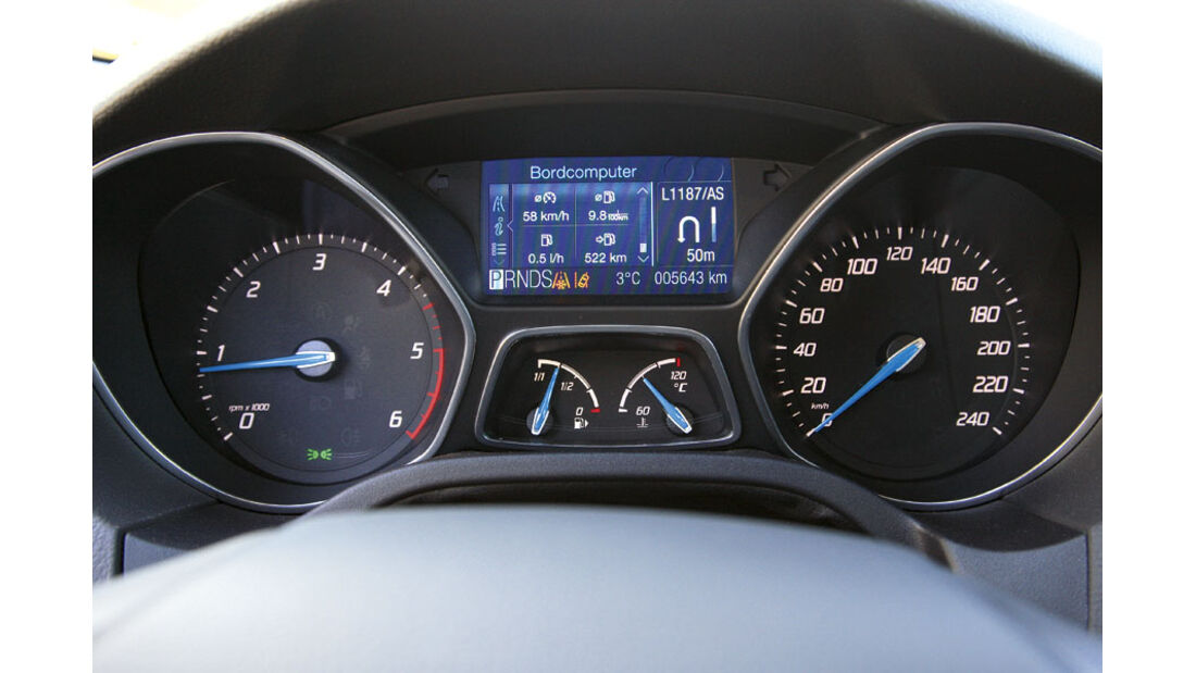 Ford Focus 2.0 TDCI Turnier - Display