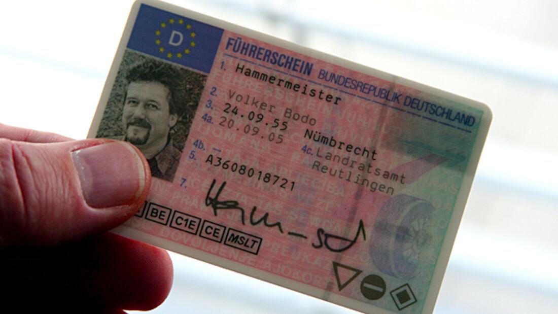 Führerschein Drittstaat Fahrberechtigung Prüfung Fahreignung ADAC Reisemobil wohnmobil caravan wohnanhänger
