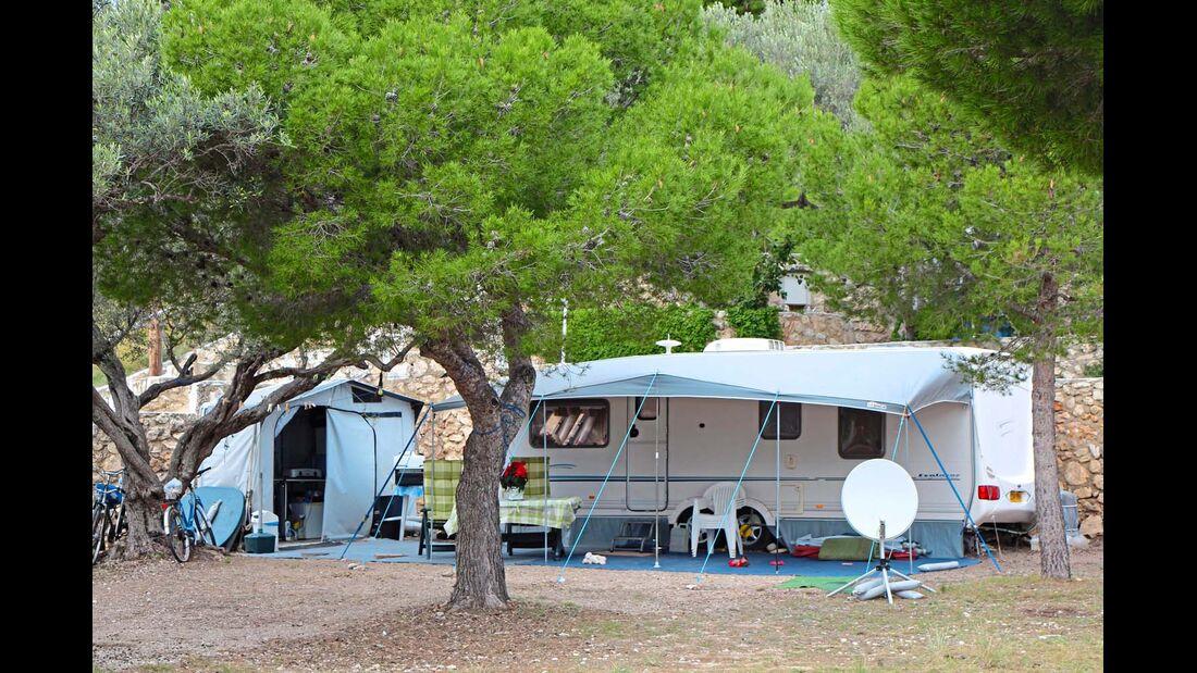 Gemütlicher Campingplatz Cala d'Oques bei L'Hospitalet de L'infant