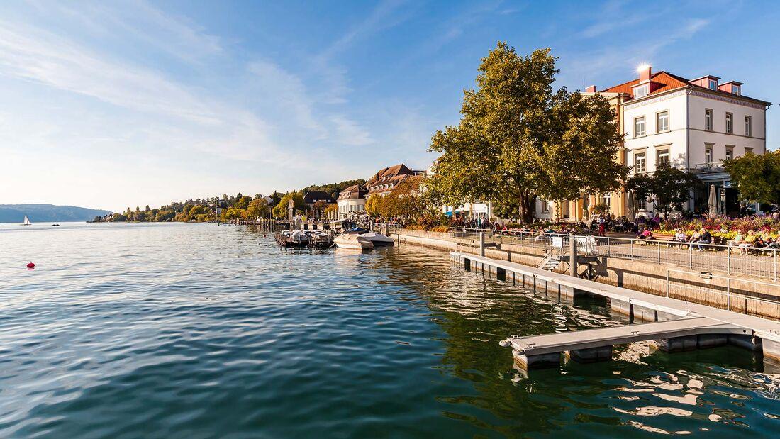 Germany, Baden-Wuerttemberg, Ueberlingen, lakeside promenade