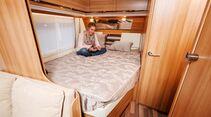 Großes und komfortables Doppelbett beim Tabbert Vivaldi 560 DM