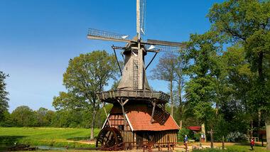 Hüvener Mühle vereint Wind- und Wasserkraft