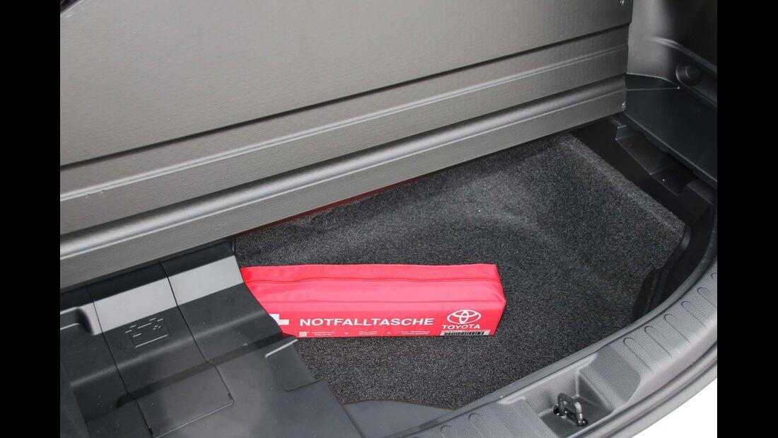Hybrid Zugwagen Toyota RAV4 Neu